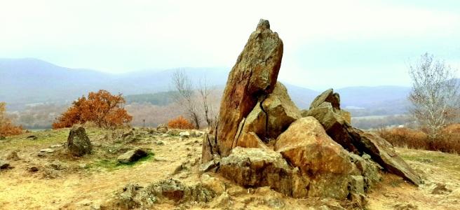 антично тракийско светилище, мистични камъни